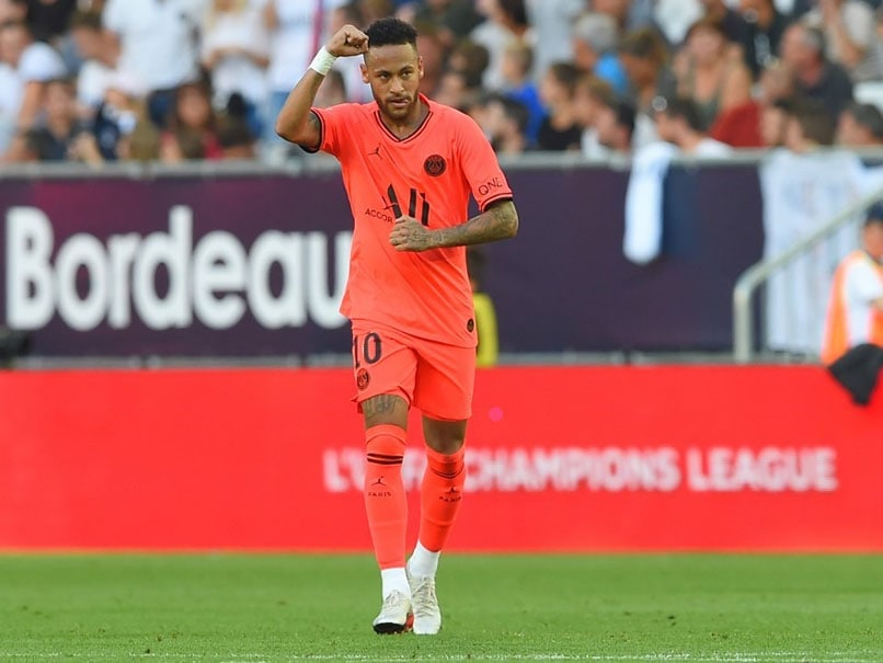 "Neymar Pledges To ""Give My Life To PSG"""