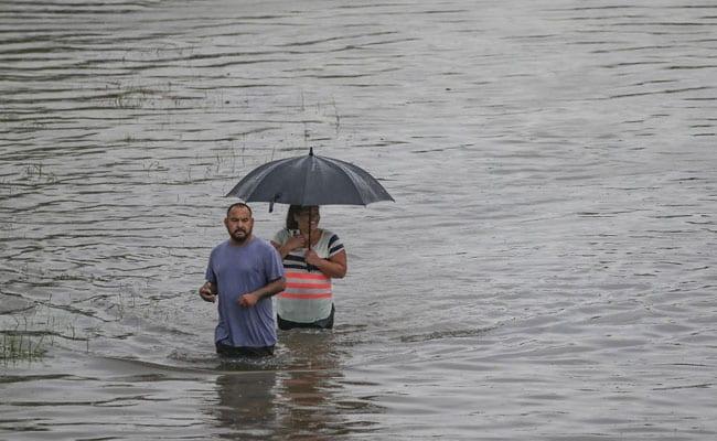 Today's Weather Updates: एमपी के 12 जिलों में येलो अलर्ट, बिहार में बारिश के आसार, जानें- अपने राज्य का हाल