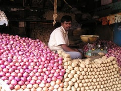 Thieves Steal Onions From Bengal Shop, Leave Cash Box Untouched
