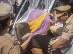 BJP नेता चिन्मयानंद की वकील ने कोर्ट से लॉ छात्रा समेत चार पर गैंगस्टर एक्ट लगाने की रखी मांग, बताई यह वजह...