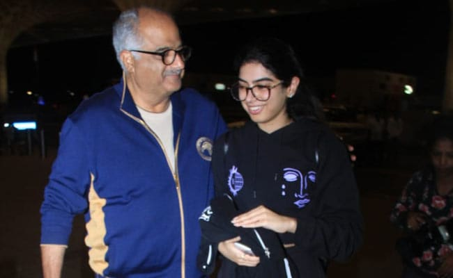 Janhvi Kapoor's Sister Khushi, Off To Film School In New York, Gets A Send-Off From Family