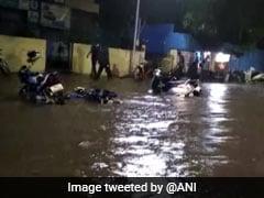 पुणे में बीती रात से हो रही है भारी बारिश, बाढ़ जैसे बने हालात, अब तक 12 की मौत