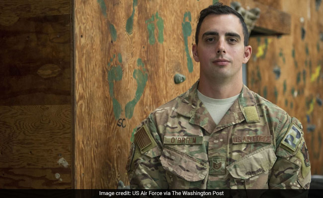 US Airman, On His Way To Pick Up Heroism Award, Saves Child On Flight