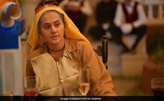 Taapsee Pannu Defends Being Cast As 60-Year-Old In Saand Ki Aankh; 'Apna Time Aayega,' Tweets Neena Gupta