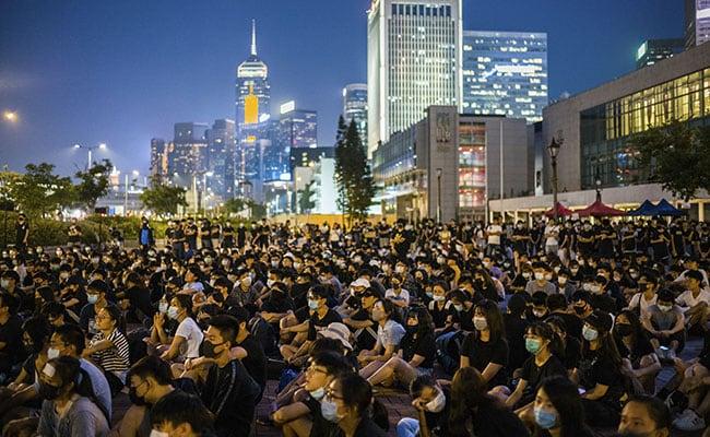 Hong Kong Protesters Target Metro Station Again Amid Lantern Festival