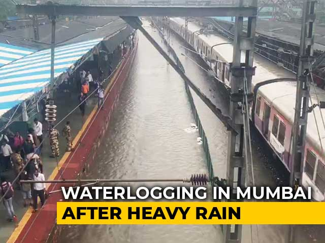 Video : Heavy Rain Paralyses Mumbai Again