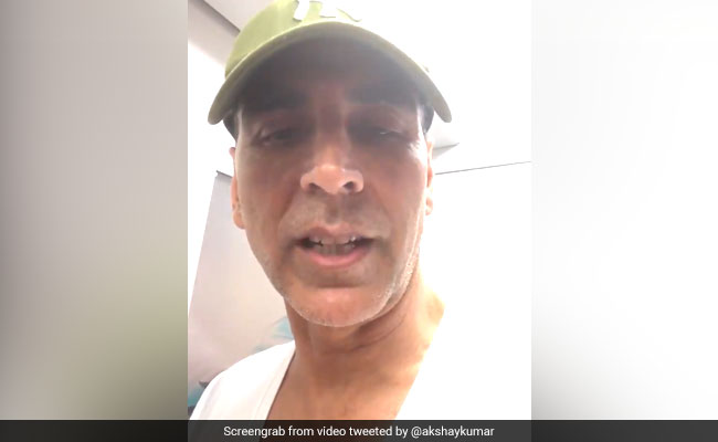 Watch: Akshay Kumar Takes Mumbai Metro 'Like A Boss' Amid Aarey Protests
