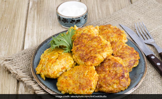 Easy Snacks Recipes: How To Make Delish Chicken Cutlets At Home