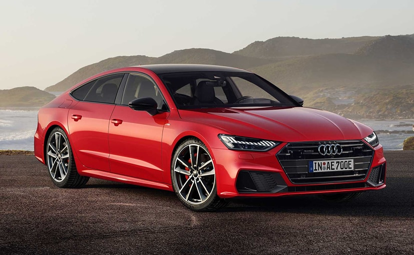 The 2020 Audi A7 looks really wide up front, housing a massive grille and large air curtains.
