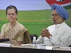 """""""India Staring At A Protracted Slowdown,"""" Manmohan Singh Warns Centre"""