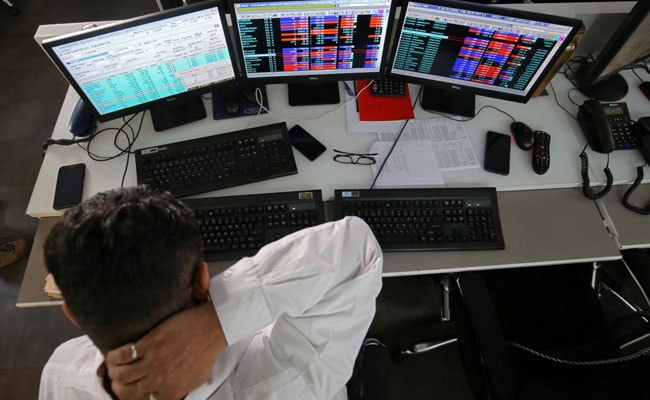 Sensex, Nifty End Higher Led By Gains In Metal, Banking Shares