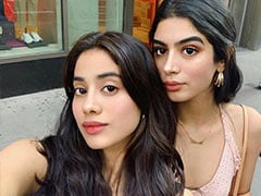 Janhvi Kapoor, 'Finally' With Sis Khushi, Paints New York In Rainbow Colours