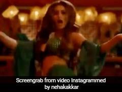नेहा कक्कड़ और मौनी रॉय की जोड़ी ने मचाया धमाल, धमाकेदार Video हुआ वायरल