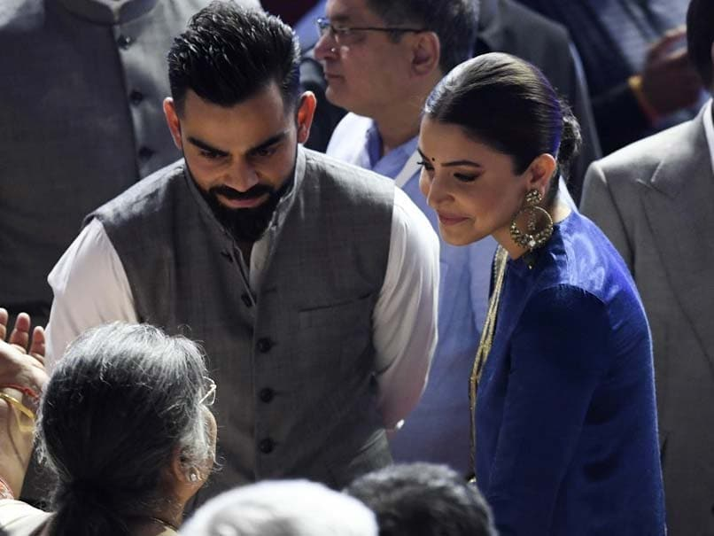 Anushka Sharma kissing Virat Kohli's hand wins the Internet