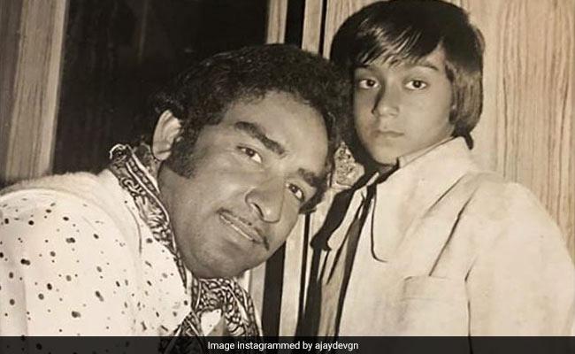 टीचर्स डे पर अजय देवगन ने शेयर की पिता के साथ बचपन की फोटो, कही यह बात