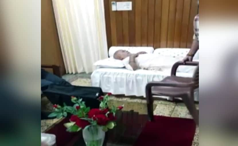 रेप के आरोपी BJP नेता चिन्मयानंद की बिगड़ी तबीयत, घर पर बुलाई गई डॉक्टरों की टीम, हालत स्थिर