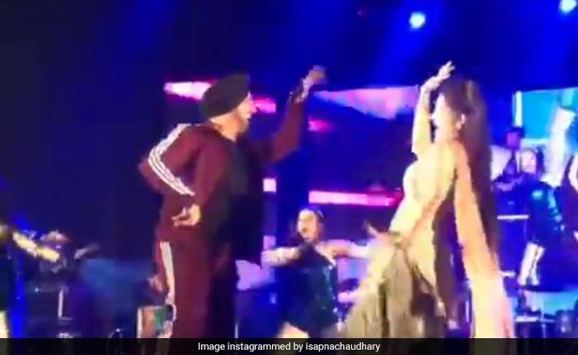 Sapna Choudhary Video: सपना चौधरी का 'तेरी आंख्या का यो काजल' पर जोरदार डांस, यूं उड़ाया गरदा- देखें Video