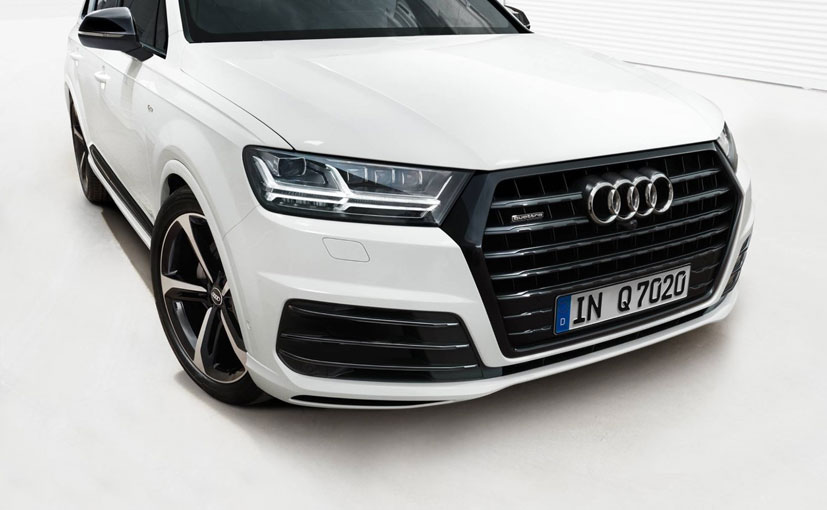 The new Audi Q7 Black Edition gets titanium gloss black finish on the grille and air intakes.