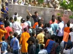 Students Clash With Cops During Protest March At Jadavpur University