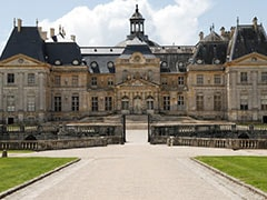 Robbers Flee With 2-Million-Euro Haul From Opulent French Castle