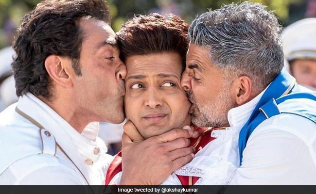 Housefull 4 Song: Ek Chumma Is All Akshay Kumar, Riteish Deshmukh, Bobby Deol Ask For
