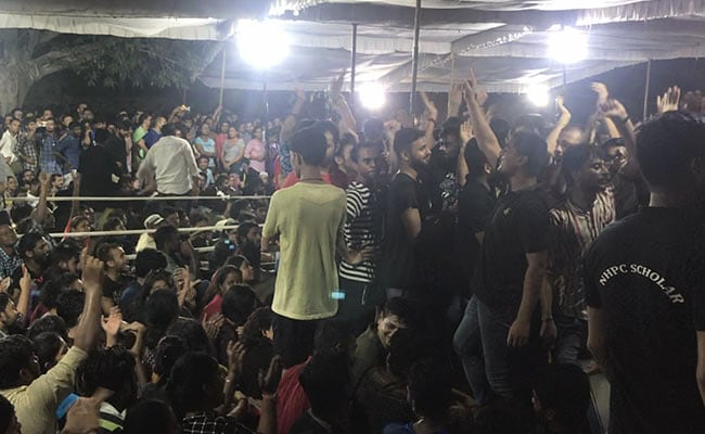 JNUSU Polls 2019: Voting Over, Highest Percentage In 7 Years; HC Orders Stay On Announcement Of Results