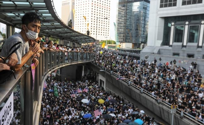 Hong Kong Protesters Ask Trump To 'Liberate' City, Sing US Anthem