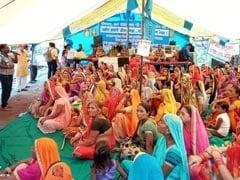 नर्मदा बचाओ आंदोलन: छोटा बड़दा में नर्मदा चुनौती सत्याग्रह जारी, आठवें दिन बिगड़ी मेधा पाटकर की सेहत