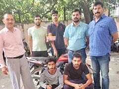 दिल्ली : कुख्यात गैंग के दो शूटर हत्या करने ही वाले थे कि पुलिस के हत्थे चढ़ गए