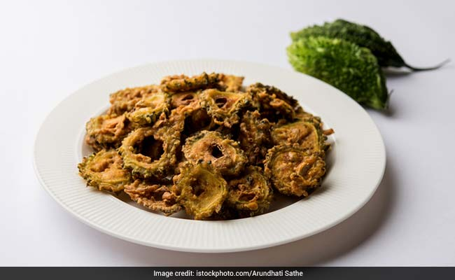 Healthy Snacks: Satisfy Your Snacking Cravings With These Low-Carb Karela Chips; Other Healthy Snacks For Weight Loss