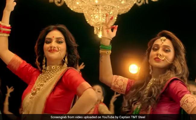सांसद नुसरत जहां और मिमी चक्रवर्ती ने मां दुर्गा को कुछ यूं समर्पित किया डांस, 20 लाख बार देखा गया Video