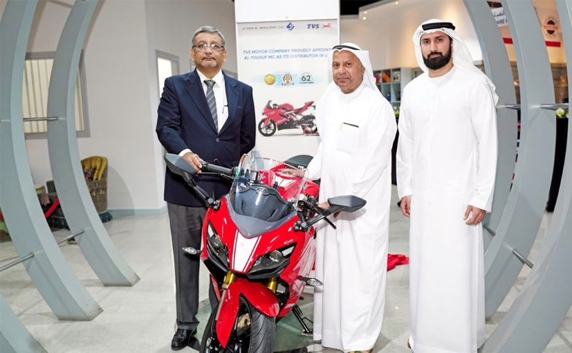 (L-R) R Dilip, Exec. VP - Int'l Business, TVS with Ahmad Al Yousuf, CEO, Al Yousuf LLC & Yousuf Al Yousuf