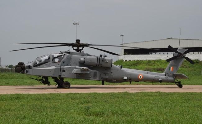 भारतीय वायुसेना की फुल ड्रेस रिहर्सल कल, अपाचे और चीनूक हेलीकॉप्टर भी होंगे शामिल