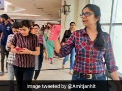 दिल्ली के एक मॉल में DCW की टीम ने मारा छापा, स्वाति मालीवाल ने ट्वीट कर कहा- पूरा बैंकॉक खुला है! देखें VIDEO