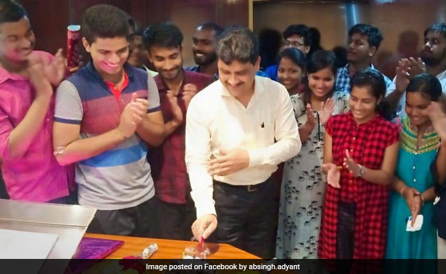 Inspired By Super 30, Odisha Tea-Seller Helps Poor Students Crack NEET