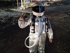 Watch: Mangaluru Schoolgirls Turn Astronauts, 'Moonwalk' On Potholes