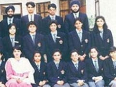 Can You Spot 'Not-So-Confident, Introvert' 17-Year-Old Sushmita Sen In This School Pic?