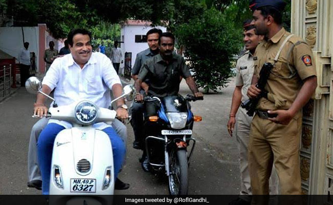 Nitin Gadkari, Rahul Gandhi Pulled Over On Twitter Amid New Traffic Fines