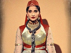 Halloween 2019: Sonam Kapoor Surprises As Anarkali From <i>Mughal-E-Azam</i>