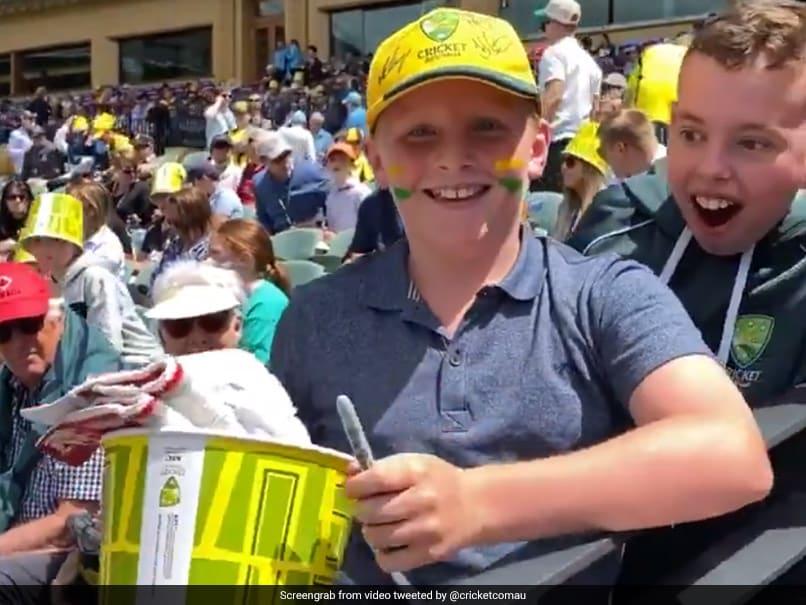 Watch: David Warner Makes Young Fan