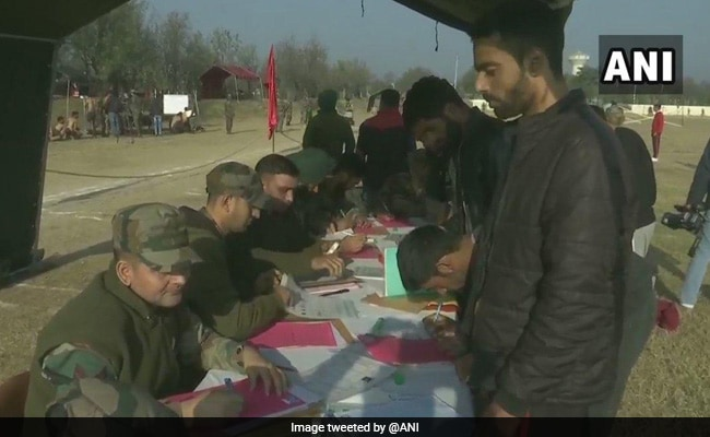J&K: Scores Of Youth Participate In Army Recruitment Drive In Srinagar