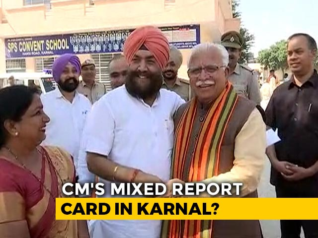 Manohar Lal Khattar Shares A Light Moment With Rival Tarlochan Singh On Polling Day