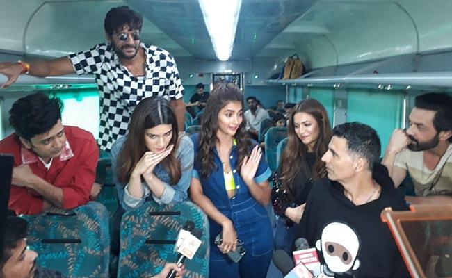 इतिहास में पहली बार इंडियन रेलवे ने फिल्म 'हाउसफुल 4' के लिए 'प्रमोशन ऑन व्हील्स' किया शुरू