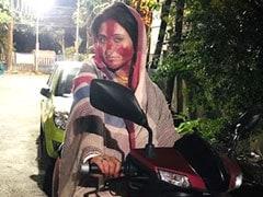 Actress Swastika Mukherjee Dropped Maa in a scooty Viral Pic of Subhashree, Paoli, Priyanka, Koyel in Dashami Sindoor khela in Durgapuja 2019