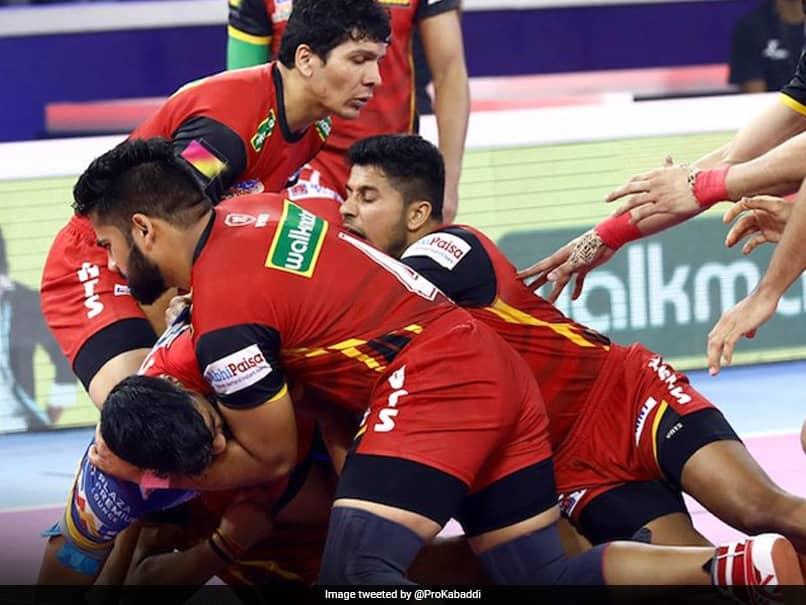 Pro Kabaddi League: Bengaluru Bulls Take On Dabang Delhi in first Semi-final