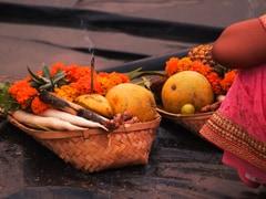 छठ महापर्व पर सोनिया गांधी ने दी बधाई, प्रियंका ने ट्वीट किया- सोना सटकुनिया हो दीनानाथ