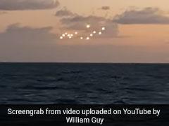 आसमान में दिखाई दी रहस्यमयी रोशनी, लोग बोले- 'ये तो एलियंस का UFO है...'