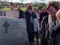 """Let Me Out"": Grandfather Pranks Mourners At His Own Funeral"