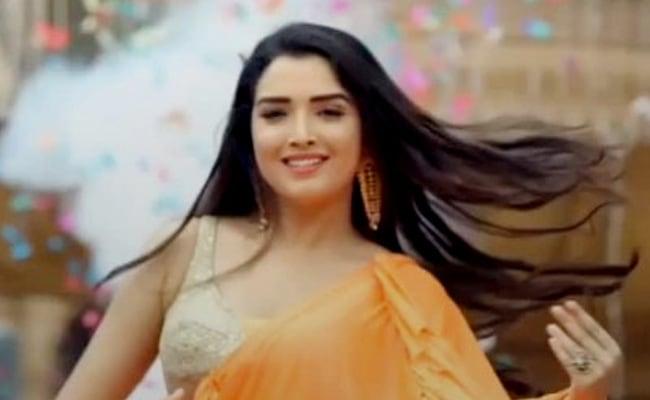 Bhojpuri Cinema: आम्रपाली दुबे ने टिकटॉक पर यूं जमाया रंग, इन 5 धमाकेदार वीडियो ने उड़ाया गरदा