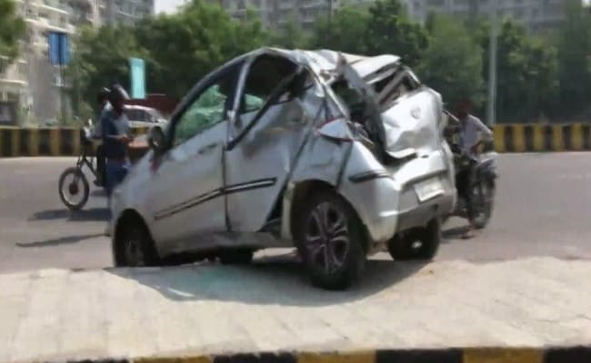 2 Killed, 1 Injured As Car Rams Divider In Noida